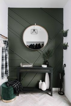 cheap home decor Amazing budget-friendly DIY projects for the modern home. These easy modern home decor ideas can transform the look of your home. They are cheap projects that dont look cheap! Like this beautiful wood feature wall tutorial! Farmhouse Side Table, Farmhouse Decor, Farmhouse Style, Deco Design, Home Design, Cheap Home Decor, Decoration Home, Wall Decorations, Halloween Decorations