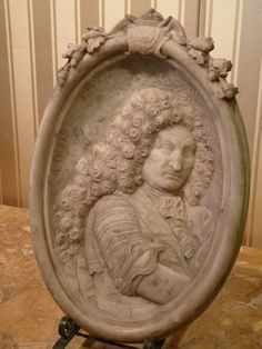 Bas-relief in marble of Louis XIV Louis Xiv, Decorative Plates, Marble, Antiques, Home Decor, Antiquities, Antique, Decoration Home, Room Decor
