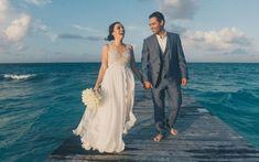 Casar Em Cancún: Inspire-se Com o Destination De Daniela E Almir - IC Cancun Wedding, Destination Wedding, Wedding Dresses, Fashion, Wedding On The Beach, Traveling, Couple, Bride Gowns, Wedding Gowns