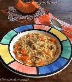 Il risotto zucca e funghi è un primo piatto #vegetariano semplice e buono adatto alla cucina di tutti i giorni ma che vi farà fare bella figura anche se avete ospiti.