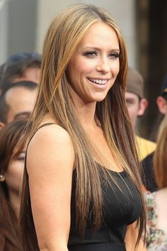 Jennifer Love Hewitt. an American actress, producer, author, television director and singer-songwriter. Homeschooled.