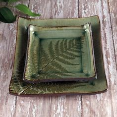 ►Ceramic Pottery Stoneware ►Set of Two (2) Plates ►Large: 5 1/2 x 5 1/2 x 1/2 ►Small: 4 x 4 x 1/2 ►Fossil Fern Pattern ►Food Safe, microwave and