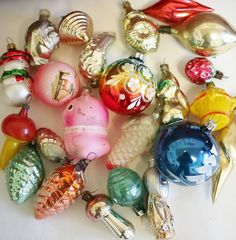 Hey, I found this really awesome Etsy listing at http://www.etsy.com/ru/listing/165668312/vintage-christmas-decorations-glass