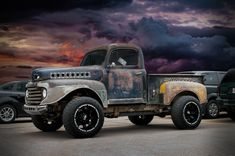 1948-50 Ford 4x4 pickup truck Old Pickup Trucks, Gm Trucks, Cool Trucks, Chevy Trucks, 1948 Ford Truck, Ford 4x4, Truck And Tractor Pull, Classic Ford Trucks, Jeep Suv