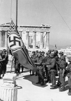 German occupying forces raise the Nazi Reichskriegsflagge on the Acropolis in Athens, Greece. German Soldiers Ww2, German Army, Rare Historical Photos, Rare Photos, Luftwaffe, Athens Acropolis, Athens Greece, Ww2 Pictures, The Third Reich
