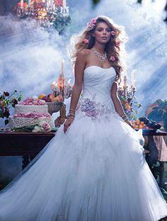 Alfred Angelo : robe de mariée de la Belle au bois dormant