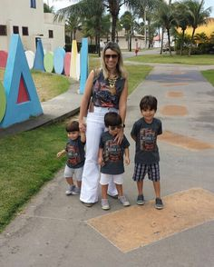 Quem disse que mães de meninos não conseguem se vestir iguais?!? Eu e meu trio de @blessedstore para @corporestore!!! O que vocês acharam?!? #babydicas #talmaetalfilhos #lookmaefilho