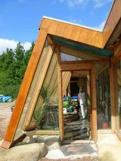 Earthships are 100% sustainable homes that are both cheap to build and awesome to live in. They offer amenities like no other sustainable building style you have come across. For the reasons that follow, I believe Earthships can actually change the world.