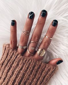 October calls for a new manicure 👻🍂 Black nails with marble & gold accents… - Accent nails Marble Gold, Black Marble Nails, October Nails, Yellow Nails, Pink Nails, Accent Nails, Gel Manicure, Black Manicure, Holiday Nails