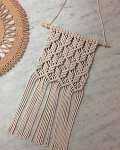 Macrame Design, Macrame Art, Macrame Projects, Macrame Wall Hanger, Macrame Hanging Planter, Boho Stil, Macrame Tutorial, Macrame Patterns, Mobiles