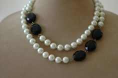 Bib Necklace Pearl Necklace Layered Necklace Black by stylelovers Beaded Jewelry, Handmade Jewelry, Pearl Jewelry, Beaded Bracelets, Pearl Rings, Pearl Necklaces, Geek Jewelry, Jewelry Bracelets, Diy Necklace