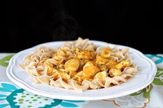 Chicken Korma Pasta  #PataksMom #Food #Inspiration #Recipes #India #IndianFood #FoodPorn #Pataks #PataksCanada #MixinaLittleIndia #Indian #TonightsDinner