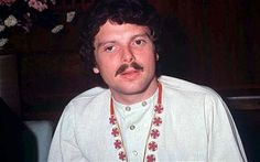 "Scott McKenzie - Scott McKenzie was an American singer and songwriter. He was best known for his 1967 hit single and generational anthem, ""San Francisco"". Wikipedia Born: January 10, 1939, Jacksonville Beach, FL Died: August 18, 2012 Spouse: Anzy Wells Albums: Stained Glass Morning, More Movies: Redneck County"