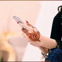 Lovely Mehendi design i love this design Henna Hand Designs, Mehandi Designs, Arabic Henna Designs, Latest Mehndi Designs, Henna Tattoo Designs, Henna Tattoos, Tattoo Ideas, Mehendi, Henna Mehndi