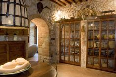 look at those stunning doors, stone walls, archway....sigh!