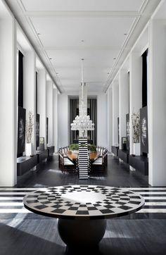Alb si negru intr-un decor interior hipnotizant. #decorinterioralbnegru, #amenajariinterioare