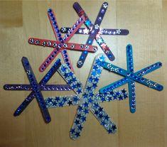 Fabrica copos de nieve con papel o con palitos de helado - Experimentos para niños y actividades educativas