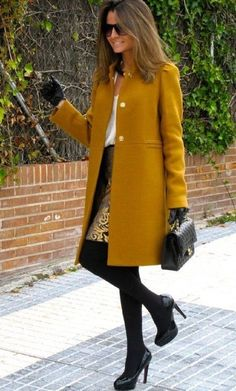 Mustard coat, white shirt, gold and black baroque skirt, black tights, bag and booties classy Look Fashion, Womens Fashion, Fall Fashion, Fashion Coat, Simply Fashion, Fashion Clothes, Fashion Jewelry, Fashion Design, Fashion Trends