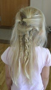 Easy summer hairdo after a lot of swimming...