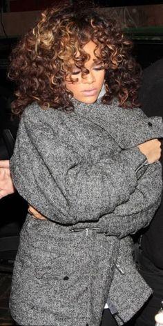 Rihanna curly tresses