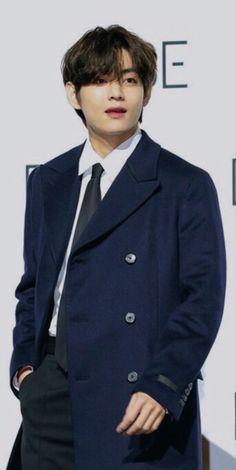Kim Namjoon, Kim Taehyung, Seokjin, Taehyung Photoshoot, V Bts Wallpaper, Yoongi, Bts Korea, Bts Pictures, Foto Bts