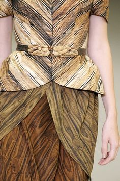 Woodgrain Print Dress - symmetrical wood grain pattern fashion // Rodarte