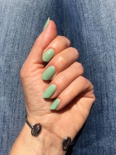 Get the prettiest water green manicure with ESSIE Turquoise and Caicos #beautyblog #nails #uñas #greennail #uñasverdes #uñasverano #essie #essieturquoiseandcaicos Green Nails, Essie, Manicure, Turquoise, Water, Pretty, Beauty, Nail Bar, Gripe Water