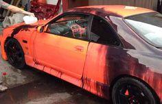 Une Nissan Skyline R33 qui change de couleurs quand il fait froid