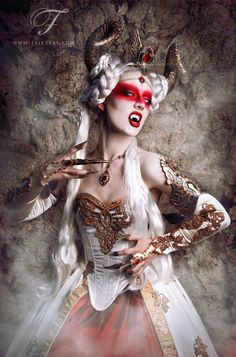 Costume: Fairytas Model, make-up, retoch: Jolien Rosanne Photographer: Viona-Art Fangs: Father Sebastiaan