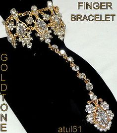 BOLLYWOOD/INDIAN  DIAMANTE HAND CHAIN BRACELET/JEWELLERY/COSTUME 1 FINGER RING