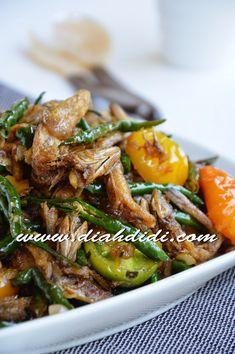 Diah Didi's Kitchen: Tumis Ikan Asin Cabe Hijau Berkecap