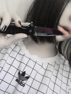 Light grunge aesthetic knife