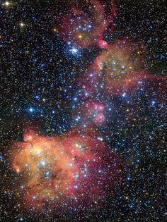 The glowing gas cloud LHA 120-N55 universomagicojuanca.blogspot.com