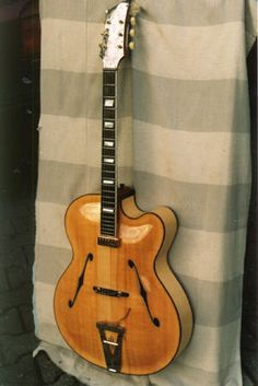 Another lovely carved archtop by Artur lang