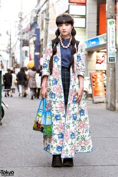 tokyo-fashion: Akina on the street in Harajuku wearing a long resale floral coat over a resale top, an Eastboy plaid skirt, tall Buffalo platforms, and a Teletubbies tote. Asian Street Style, Tokyo Street Style, Japanese Street Fashion, Tokyo Fashion, Harajuku Fashion, Korean Fashion, Fashion 2015, Harajuku Girls, Girl Fashion