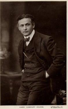 Houdini c.1916