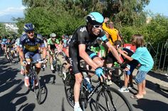 Chris Froome (Team Sky) put in an attack on stage 2