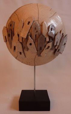 Aanzien van een wereldstad, raku gebakken. Raku Pottery, Ceramic Houses, Driftwood Art, Museum Of Modern Art, Little Houses, Ceramic Art, Projects To Try, Objects, Clay