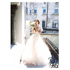 Stunning lilac and garden rose Rogoz Love Can, Bridal Dresses, Bridal Bouquets, Spring Summer 2015, Lilac, Dream Wedding, How To Wear, Costa