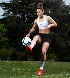 The Women's World Cup kicks off next month – and England might even win it. Mark Bailey interviews five key players from different generations to chart the unstoppable rise of women's football Girls Playing Football, Football Girls, Female Football, Football Football, Doncaster Rovers, England Players, Bad Girl Aesthetic, Sporty Girls