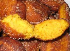 Sonhos / Bolinhos de Cenoura | SaborIntenso.com Waffles, French Toast, Algarve, Breakfast, Portugal, Conch Fritters, Other Recipes, Christmas Sweets, Carrots