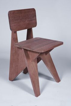 "Michael Boyd ""Plank"" side chair from the ""PLANK"" series 2011 My great friend Michael Boyd is just about to launch his new line of furnitur. Folding Furniture, Woodworking Furniture, Plywood Furniture, Kids Furniture, Furniture Design, Furniture Buyers, Cool Chairs, Side Chairs, Side Tables"