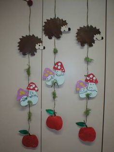 Love these unusual mobiles! Fall Paper Crafts, Autumn Crafts, Fall Crafts For Kids, Autumn Art, Autumn Theme, Crafts To Make, Art For Kids, Diy Crafts, Autumn Activities