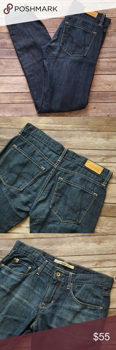 """Big Star Vintage Billie jeans Excellent condition! Slouchy skinny style with super soft material. Vintage Big Star logo back pockets.  Inseam 30"""" Rise 9"""" Fabric 66% cotton, 32% linen  Size 26 Style : Billie Slouchy skinny Big Star Jeans Skinny"""