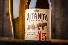 Vitanta Aniversara Limited Edition Beer Label on Packaging of the World - Creative Package Design Gallery Beer Label, Packaging Design Inspiration, Beer Bottles, Creative Package, Package Design, Gallery, Roof Rack, Packaging Design, Design Packaging