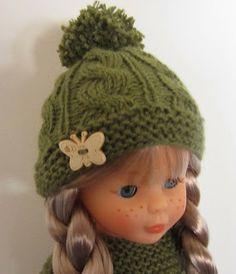 Ravelry: Wool Hat for Nancy Doll pattern by Mònica Cifuentes Knitting Loom Dolls, Knitted Dolls, Felt Dolls, Knitted Hats, Home Tattoo, Vestidos Nancy, American Girl, Nancy Doll, Flapper