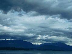 Chile, Lago Ranco, Región de los Ríos        La belleza del Sur de mi  país