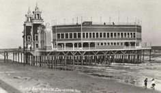 Galveston pier with hotel.  Destroyed by hurricane in 2008; the pier is now an amusement park.