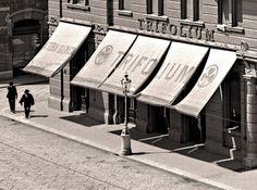 Trieste, la Latteria Trifolium, primi del Novecento (poi al suo posto verrà inaugurato il Caffè San Marco)