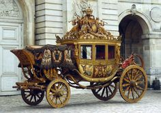 Berlin coaches, royal and imperial carriages from the Versailles collections took the road for Arras.
